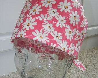 Tie Back Surgical Scrub Hat with Daisies on Hot Pink