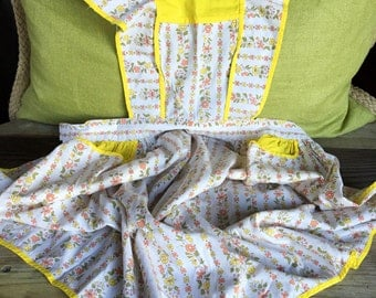 Vintage apron full yellow and floral smock cottage kitchen clothing