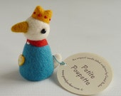 Tiny needle felted bird doll, made by Gretel Parker, needle felt bird, needle felted miniature, art doll, little felt bird