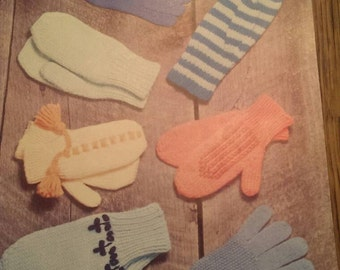 Vintage Paton's Sock Mittens & Gloves Knitting Instructions and Pattern Booklet.