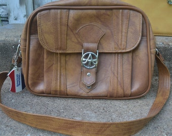 Vintage Caramel Brown American Tourister Carry On/Overnight Bag Luggage Suitcase Diaper Bag Purse With Keys