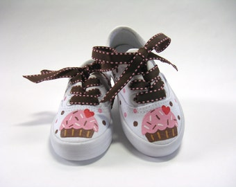 Cupcake Birthday Shoes, Hand Painted White Sneakers for Baby and Toddlers, Pink and Brown Birthday Party Outfit