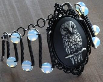 Gothic Chic Jewelry - Bracelet - Owl Cameo - Opalite Moonstone