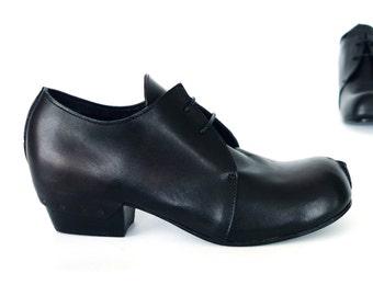 Free Shipping! Naked Slice Shoe in Black