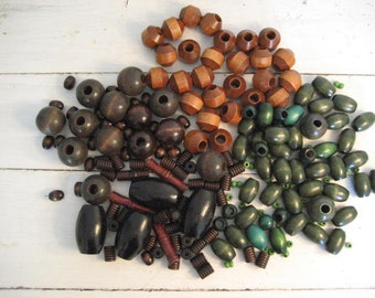 189pc Lot of Vintage Wood Beads