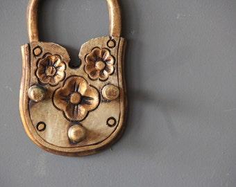 Gilt Italian Wood Lock Key Holder