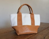 Hand Stitched Simple Leather Tote Bag - White x Caramel Brown -
