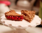 1/6th Scale Miniature Slice of Cherry Pie Blythe Momoko Pullip Barbie Fashion Royalty Doll House