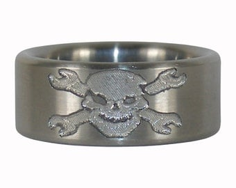 Mechanics Skull and Crossbones Engraved Titanium Ring