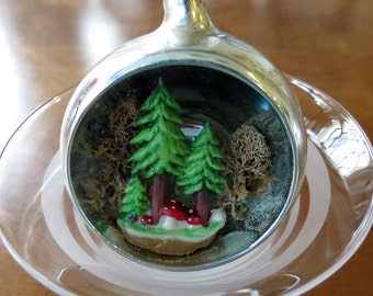 Vintage Diorama Tree Toad Stool Forest Glass Ornament