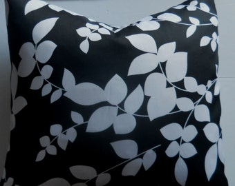 Pillow cover, FREE SHIPPING,  Black n White, 18x18.