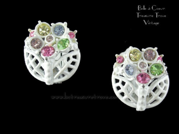Mod White Enamel Vintage Earrings Flowers with Pastel Rhinestones Pink Yellow Purple Green Blue