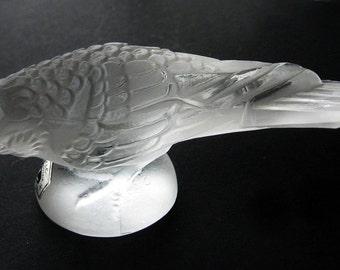 Weil Frosted Glass Bird Figurine Vintage Mid Century Complete with Original Weil Sticker