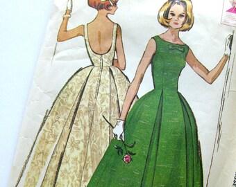 1960s Vintage Sewing Pattern / McCalls 7076 / Mad Men Prom Dress Evening Gown Low U BACK, Bateau Neckline / Size 12 Bust 32