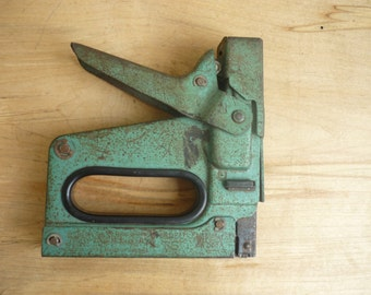 Vintage Bostitch Stapel Gun, Model T5 Heavy Duty Staple Gun, green metal tacker, antique, heavy
