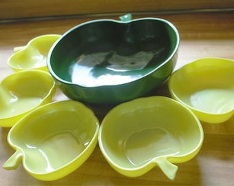 Vintage 6 pieces Hazel Atlas Orchardware Apple Salad Set of Fruit Bowl Set 1950s to 1960s