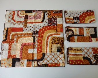 VINTAGE 1970s set of 4 brown and rust CLOTH NAPKINS