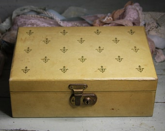 Vintage JEWELRY BOX with KEY- Velvet Lining- Buttercream Yellow with Accents