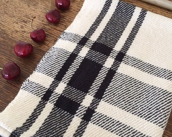 Handwoven kitchen towel / black & ivory farmhouse plaid