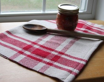 Handwoven tea towel / red & ivory farmhouse plaid