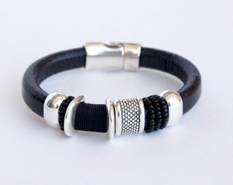 CATATUMBO black leather bracelet