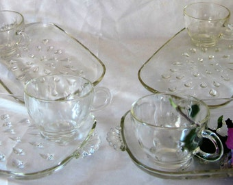 Vintage Teardrop Glass Hazel Atlas Lunch Plate Snack Clear Raised Detail and Matching Cups Set of 4
