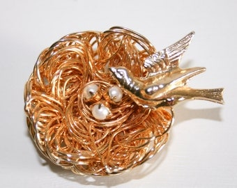 Gold Wire Bird's Nest and Pearl Eggs Brooch