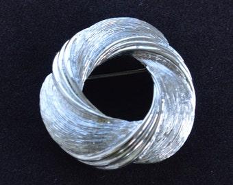 Pretty Vintage Brushed Silver tone Swirl Brooch, Pin, Monet (AQ9)