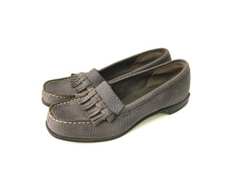 Gray Leather Loafers Fringed Deck Shoes Moccasins Preppy Women's slip on shoes Louanne's Vintage Women's size 7