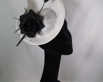 Black and white fascinator/hatinator. Wedding hat-Races hat-Special occasion hat.