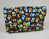 Large Snap Pouch .. Urban Zoologie Mini Foxes in Bermuda