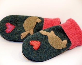 Wool Sweater Mittens Recycled Wool Green Beige Pink Turtle Applique Leather Palm Fleece Lining Eco Friendly Size S/M