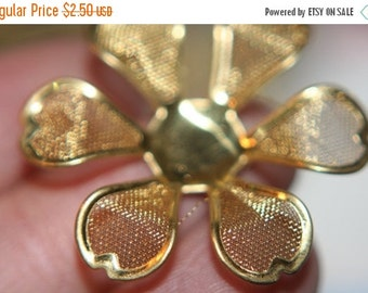 ON SALE SALE- Mesh Flower Bead Caps -30mm - 6 pcs