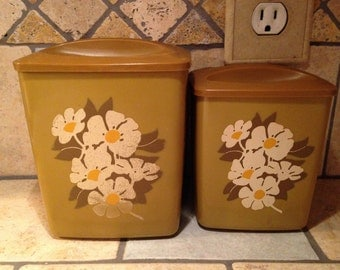 2 Nesting Olive Brown Kitchen Canisters