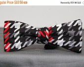 Black Red White and White Houndstooth Bow Tie