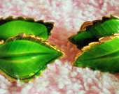 Vintage Signed GIOVANNI Double Leaf Clip On Earrings, Gold Tone, Green
