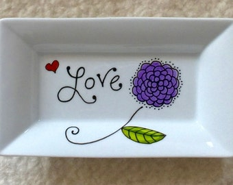 Love tray in porcelain