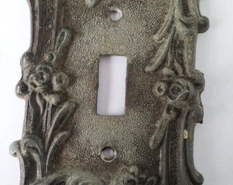 Vintage Art Deco Single Toggle Light  Switch Plate