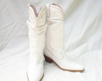 SALE White Leather Cowboy Boots Womens size 6 Steve Madden Cowgirl Boots