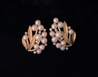 Vintage TRIFARI Pearl Rhinestone Leaf Earrings