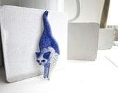 White Cat  Brooch - Handpainted Delft blue porcelain