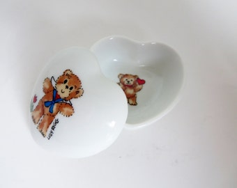 Vintage Heart Box - Lucy Rigg Jewelry Box - Teddy Bear Ring box - Enesco Mini Heart shaped Ring or Jewlry Holder - Made in Japan