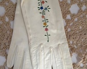 Leather White Embroidered Ladies Gloves Vintage