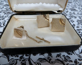 Gold Tone-Diamond Cut Vintage Cuff Link and Tie Tac Set, Cuff Links/Tie Tac Set, Vintage Cuff Links, Mad Men Era Cuff Links and Tie Tac