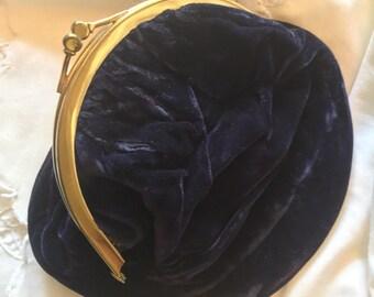 Vintage velvet evening bag, vintage clutch, kisslock bag, prom purse, formal purse, formal clutch, bag with coin purse, fancy dress bag