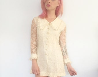 Vintage 60s Ivory Lace Mod Peter Pan Collar Mini Dress