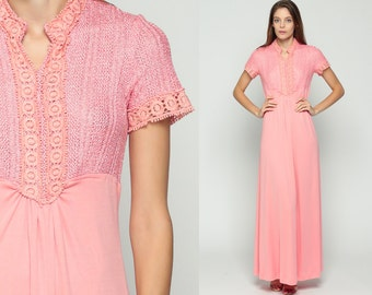 Pink Maxi Dress 60s Mod 70s Boho CROCHET LACE 1970s Empire Waist Bohemian Knit Vintage Pastel Mandarin Collar Short Sleeve Small Medium