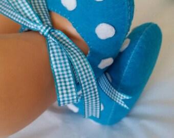 Aqua with white spots felt baby shoes