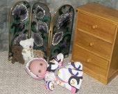 5-BIGHEAD-HS-26 ) 5 inch Lil Cutesies big head  Berenguer baby doll clothes, 1 flannel hooded sleeper