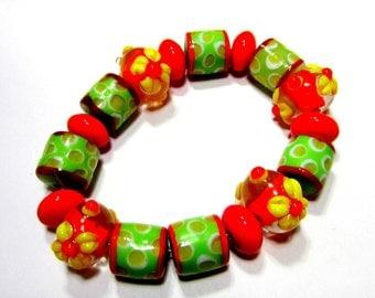 17 lampwork glass beads  green tomatoe red applied flower set bracelet strand handmade glass beads SB2